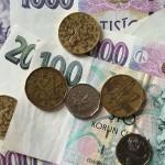 V ČR aktuálně koluje 510 miliard korun v bankovkách a mincích
