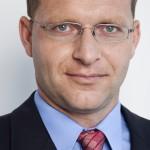 Radek Laštovička působil v poradenské společnosti EY Advisory Services, před tím řídil inkasní agenturu Coface Czech, spoluzakládal pojišťovnu pohledávek Coface v Česku.