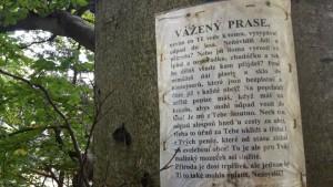 Češi Čechům po cestě v Krušných Horách. Foto: Jindřich Kolomazník, FAEI.cz